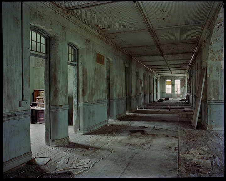 Willard Hallway